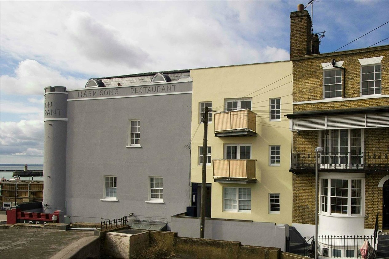 Properties For Sale in Harbour Parade