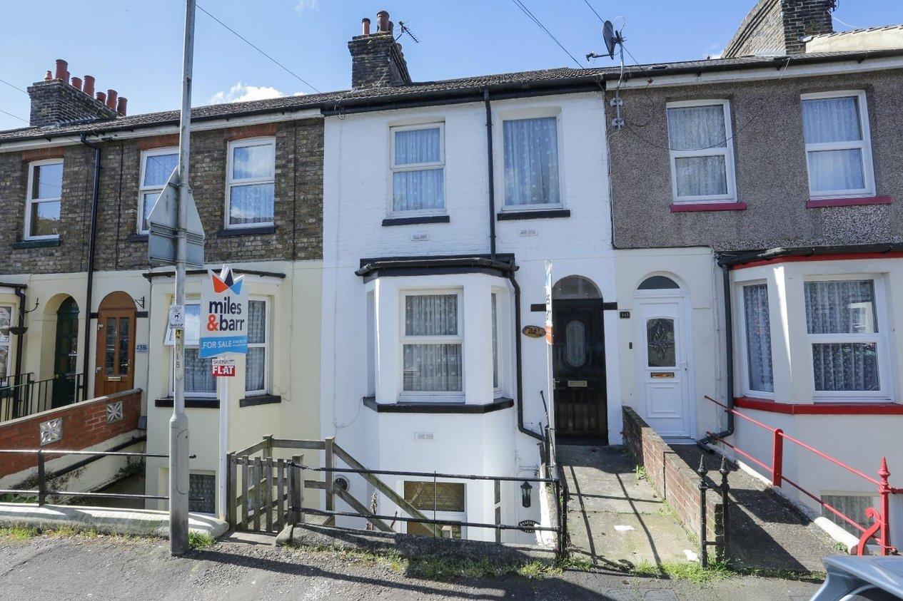 Properties For Sale in Heathfield Avenue