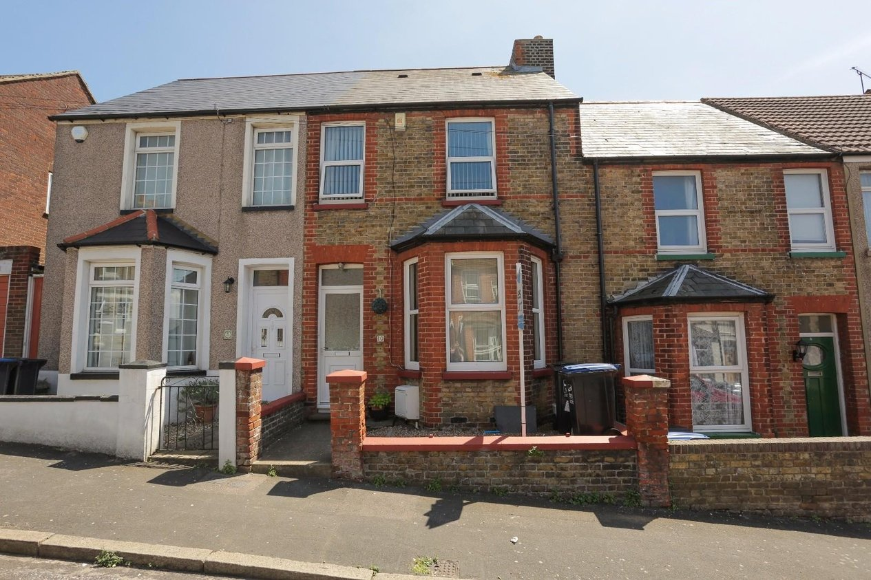 Properties For Sale in Hengist Avenue