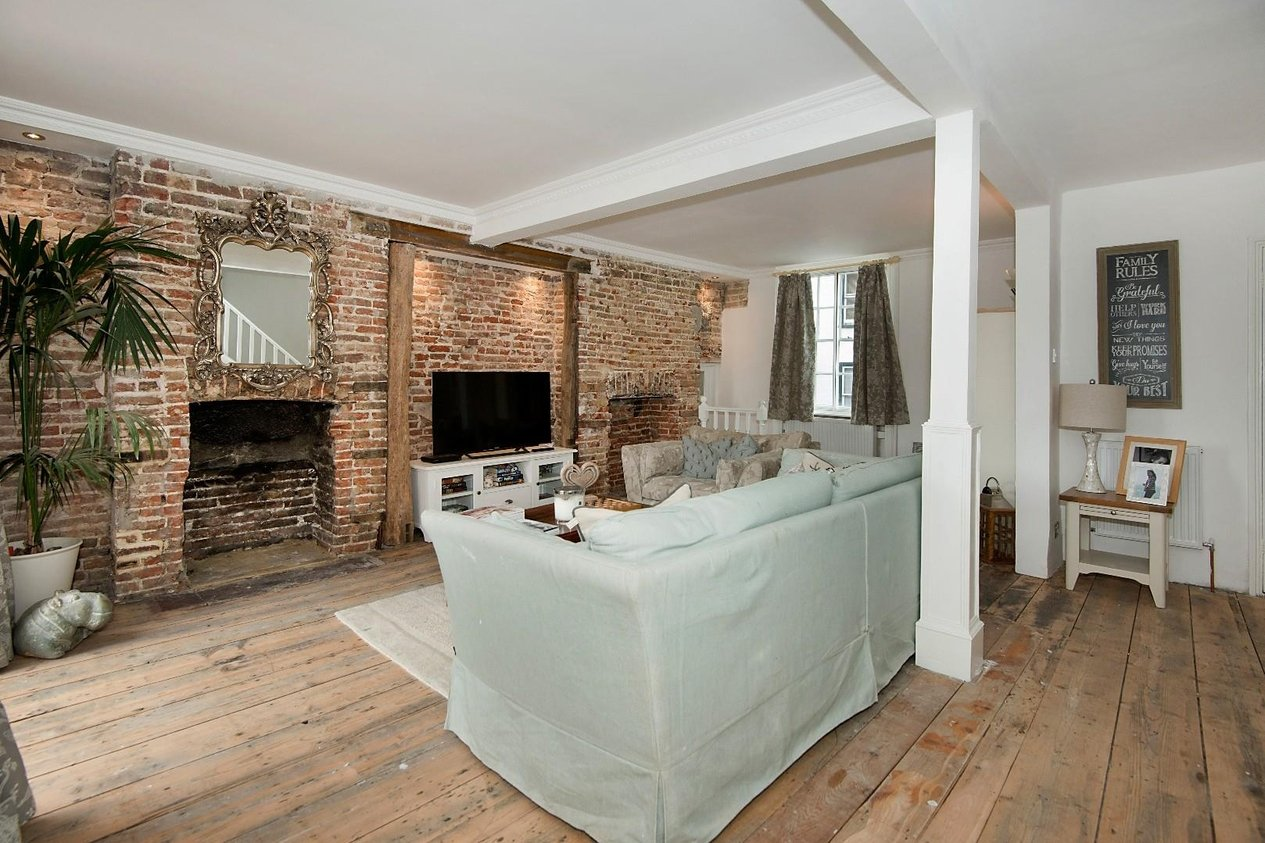 Properties For Sale in High Street Sturry