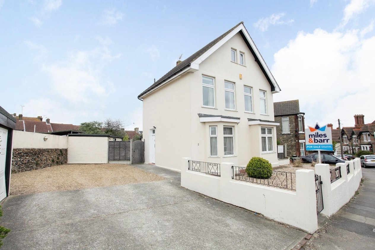 Properties For Sale in Hollicondane Road
