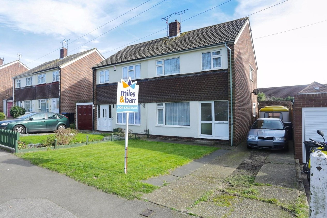 Properties Sold Subject To Contract in Holly Road