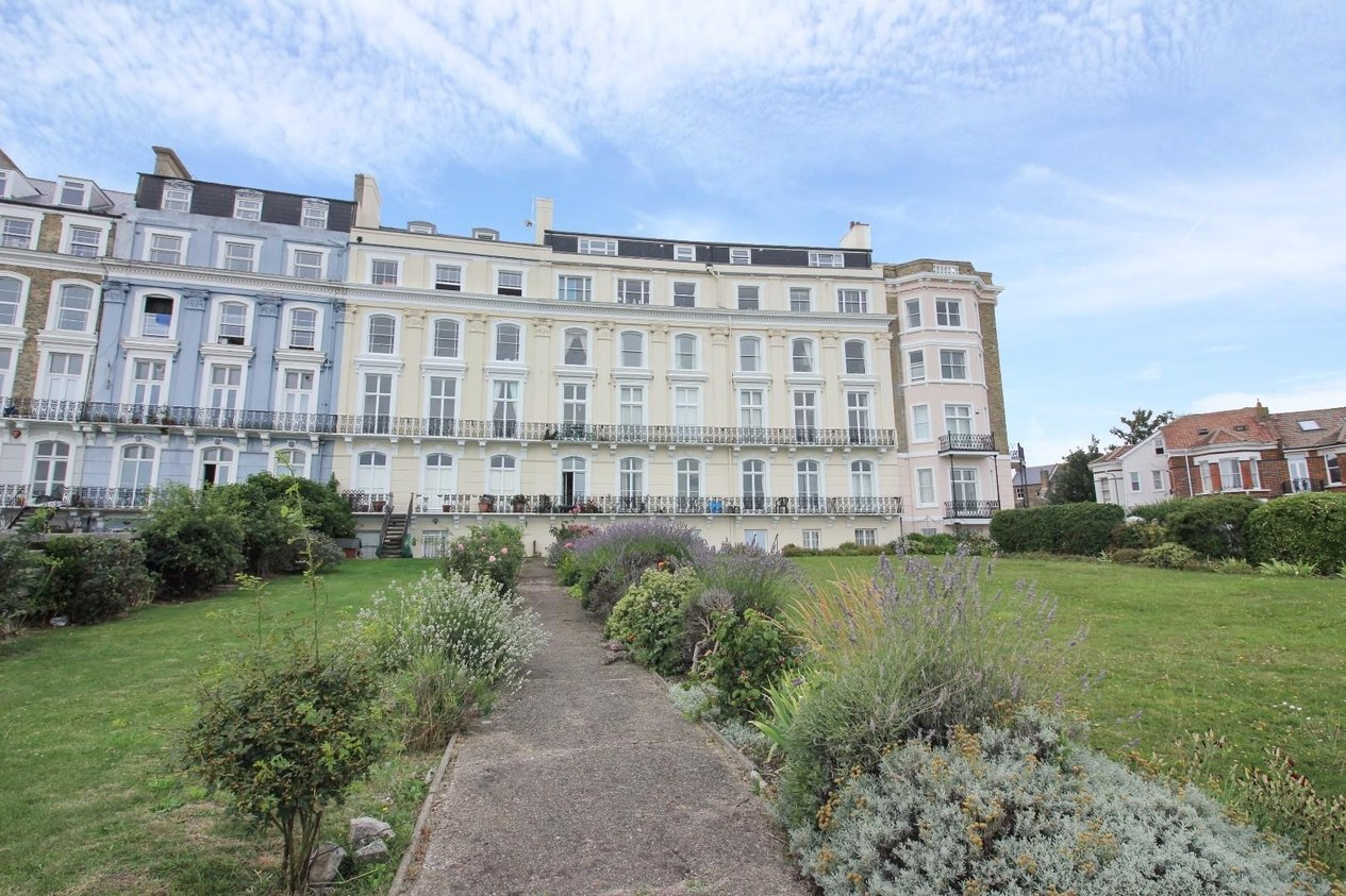 Properties Sold Subject To Contract in 10-11 Royal Crescent