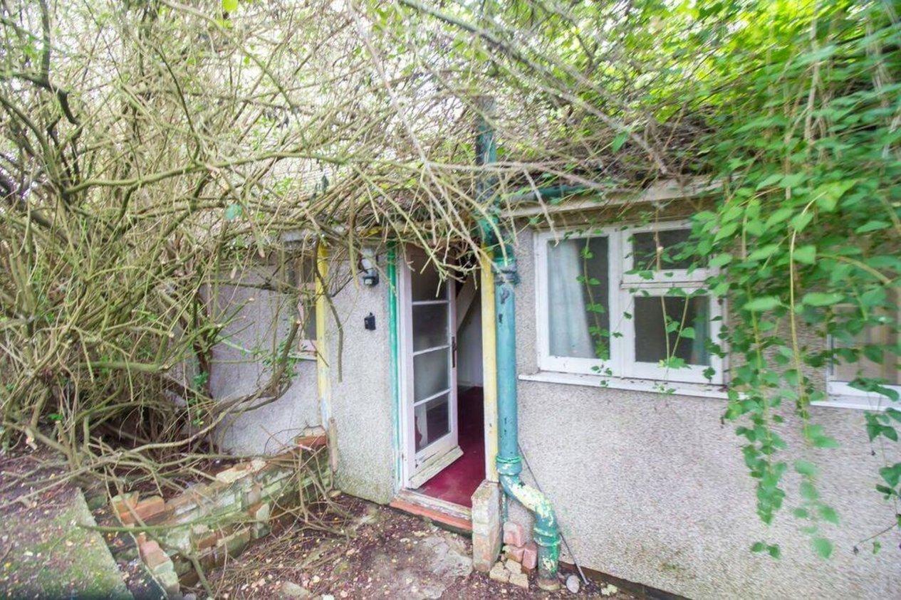 Properties For Sale in Ians Walk