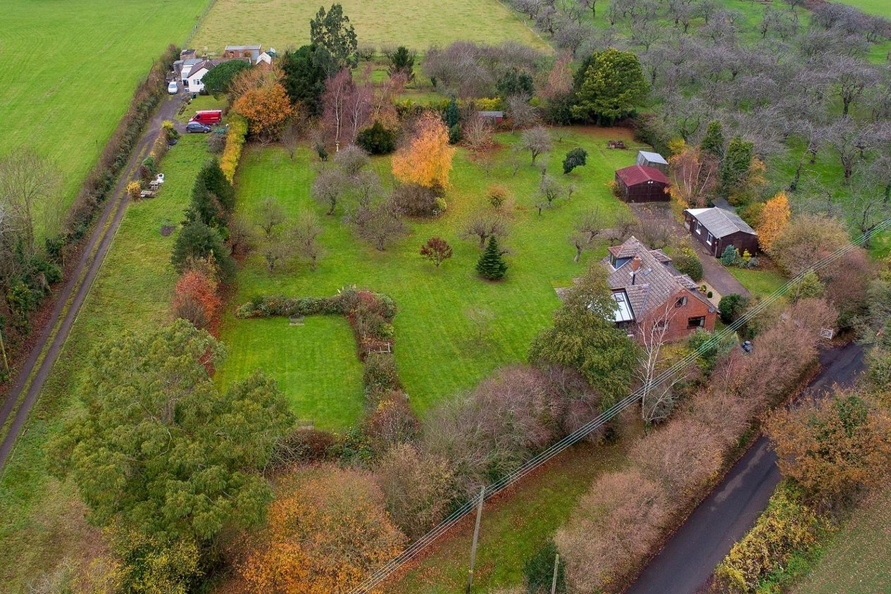 Properties Sold Subject To Contract in Iffin Lane