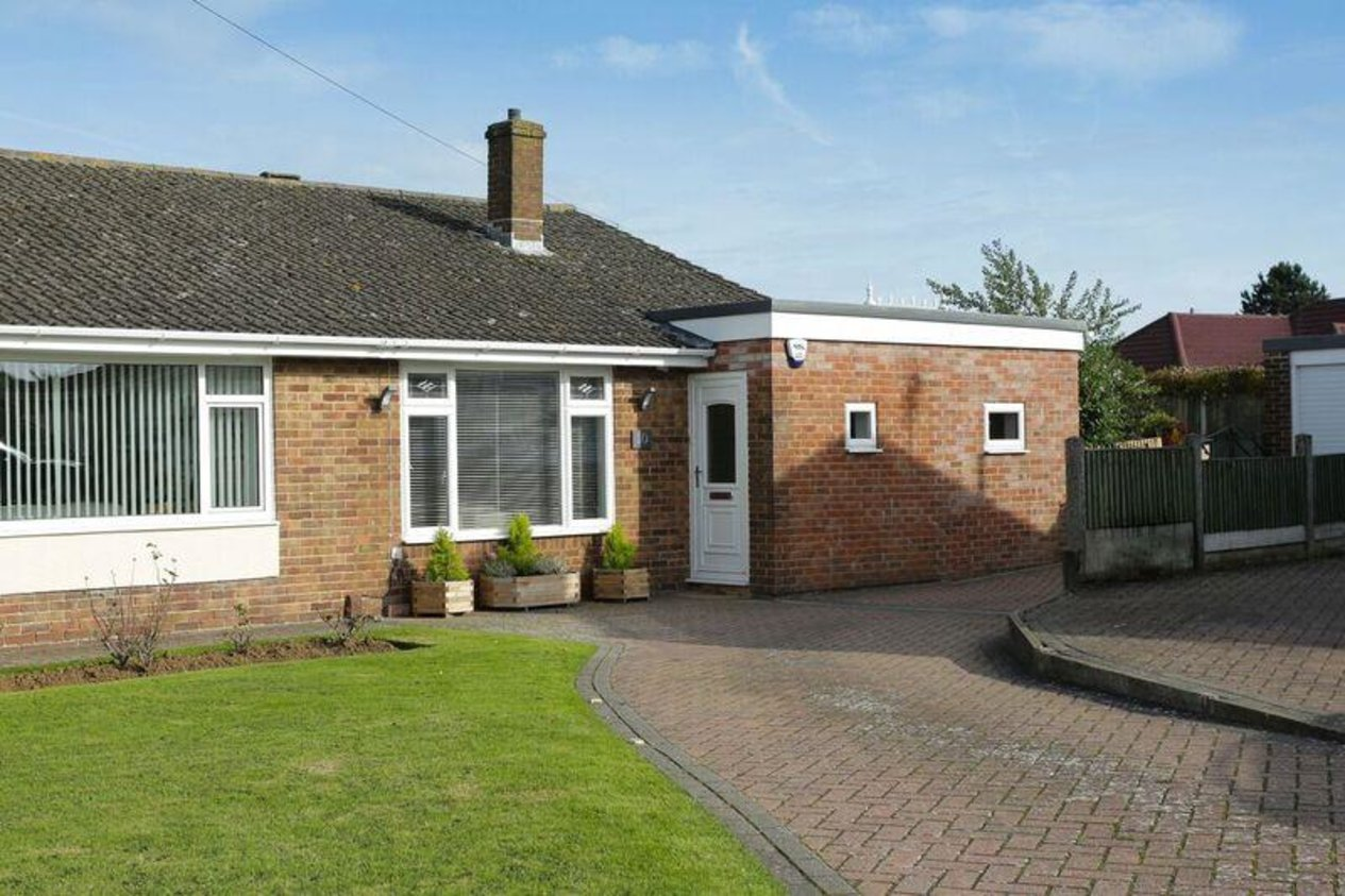Properties Sold Subject To Contract in Joyes Close