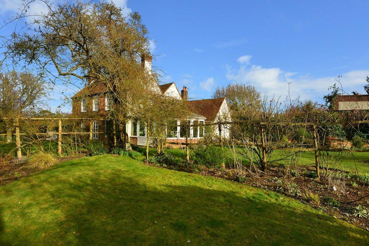 Properties For Sale in Kettle Hill Road Eastling