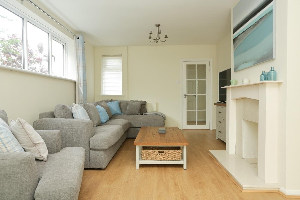 Properties Sold Subject To Contract in Kings Avenue
