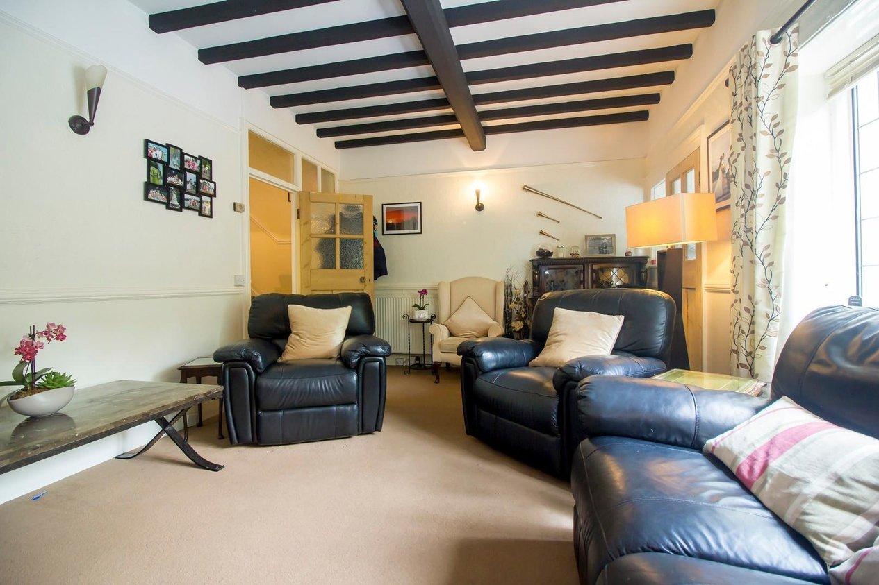 Properties For Sale in Kingsgate Avenue