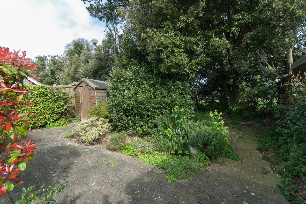 Properties Sold Subject To Contract in Linden Close