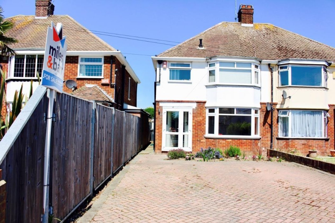 Properties Sold Subject To Contract in Lindenthorpe Road
