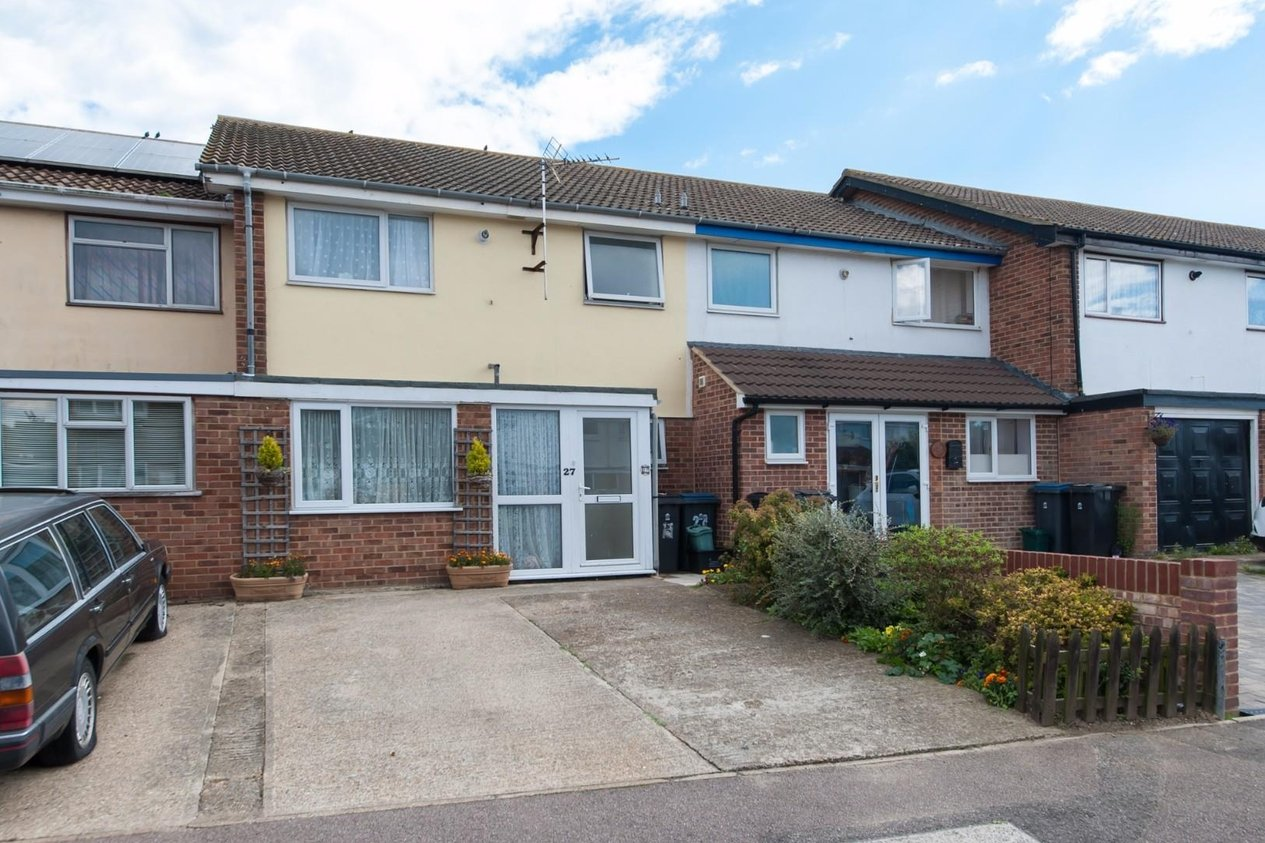 Properties Sold Subject To Contract in Links Road