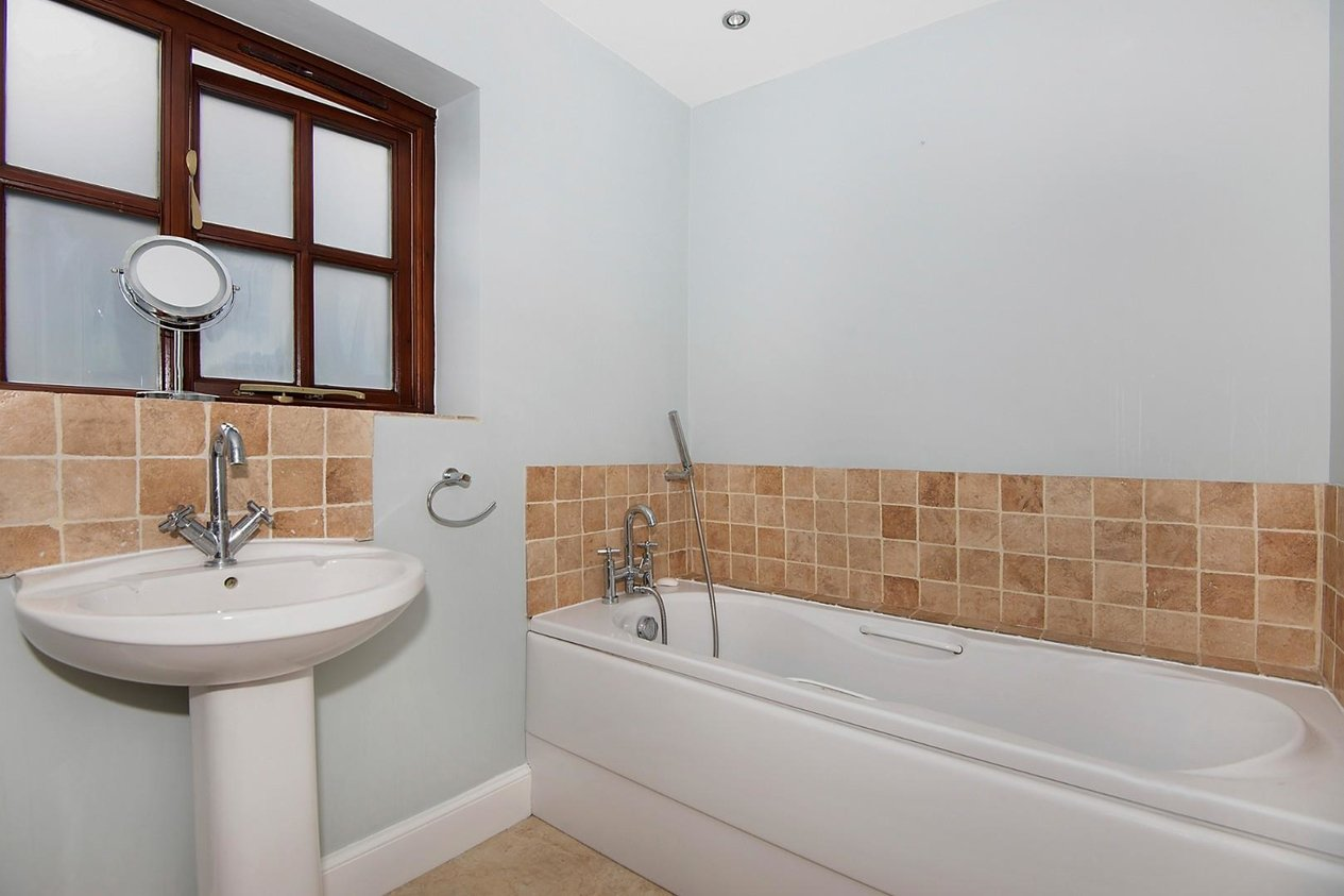 Properties For Sale in Bekesbourne Lane Littlebourne