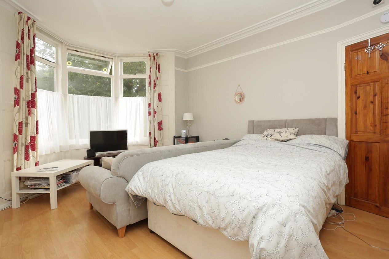 Properties For Sale in Liverpool Lawn