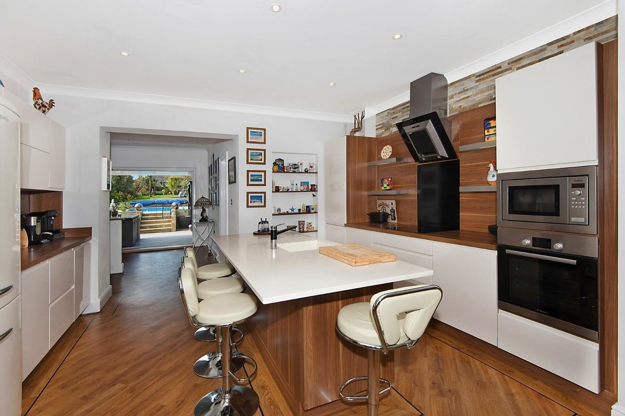 Properties For Sale in London Road