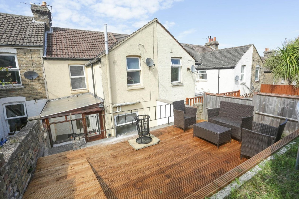 Properties Sold Subject To Contract in Longfield Road