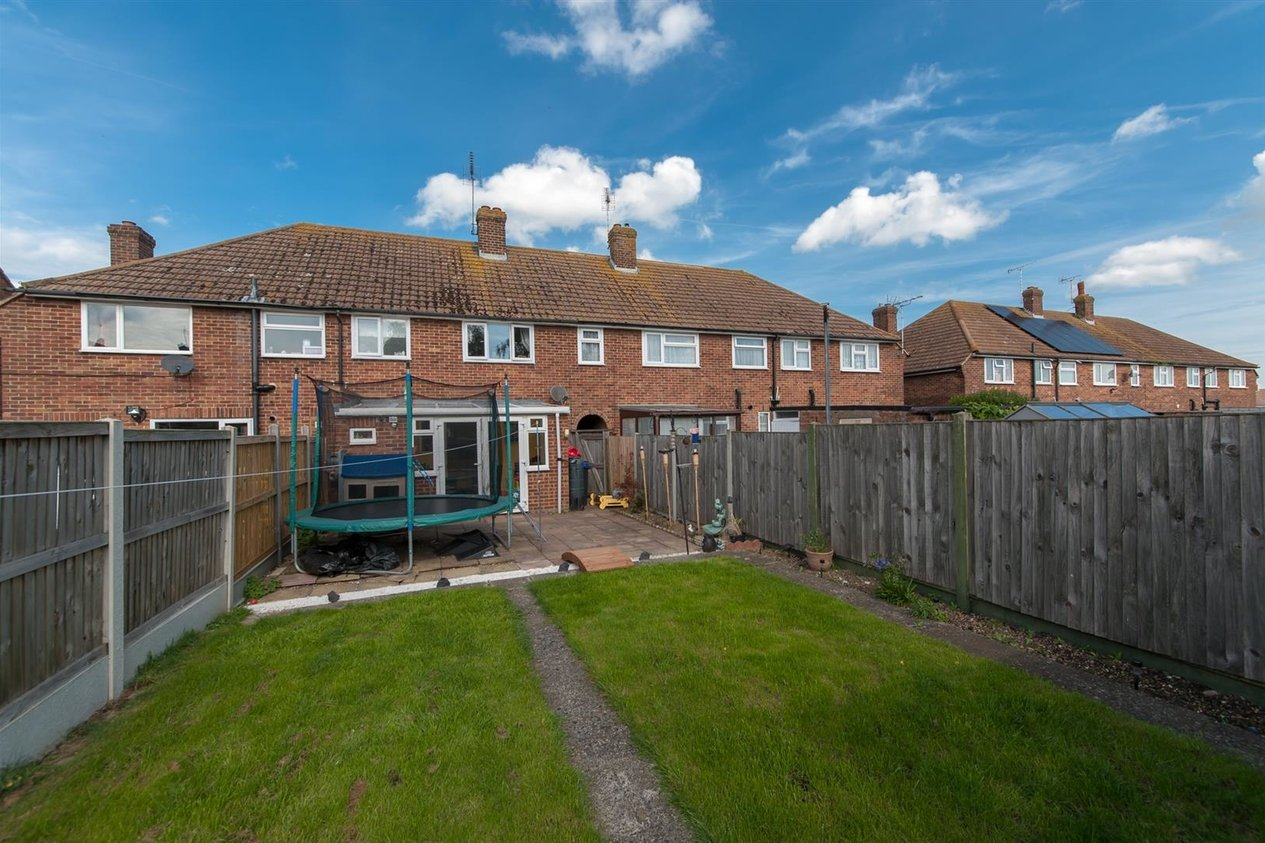 Properties Sold Subject To Contract in Lymington Road