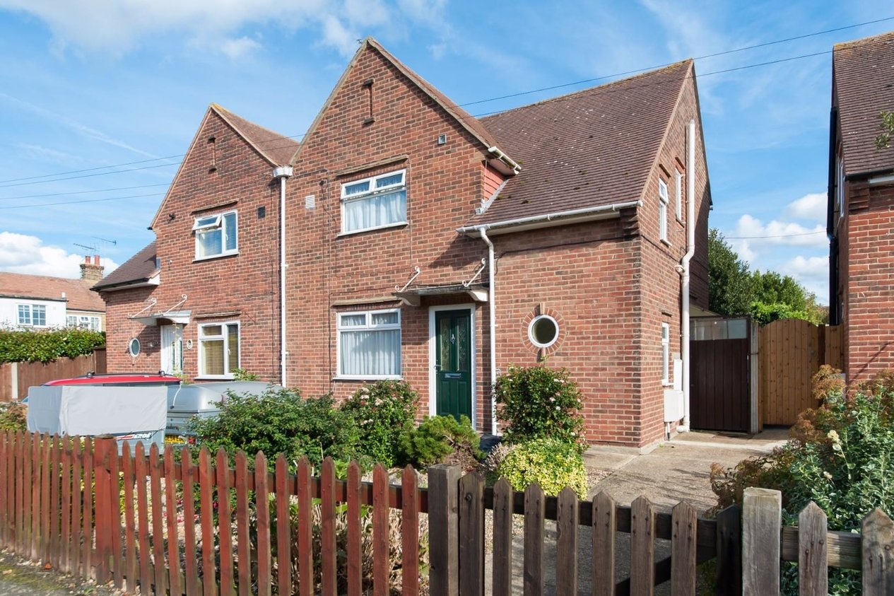 Properties Sold Subject To Contract in Makenade Avenue