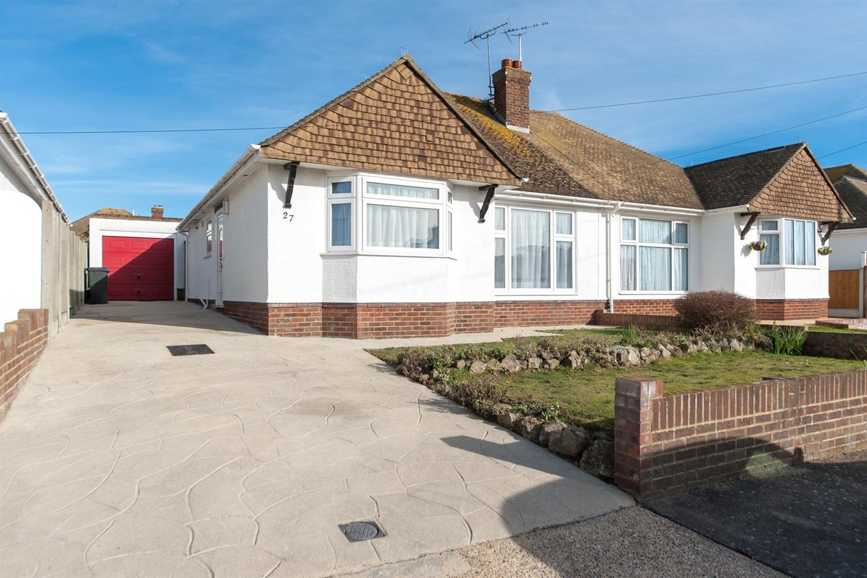 Properties Sold Subject To Contract in Manor Drive
