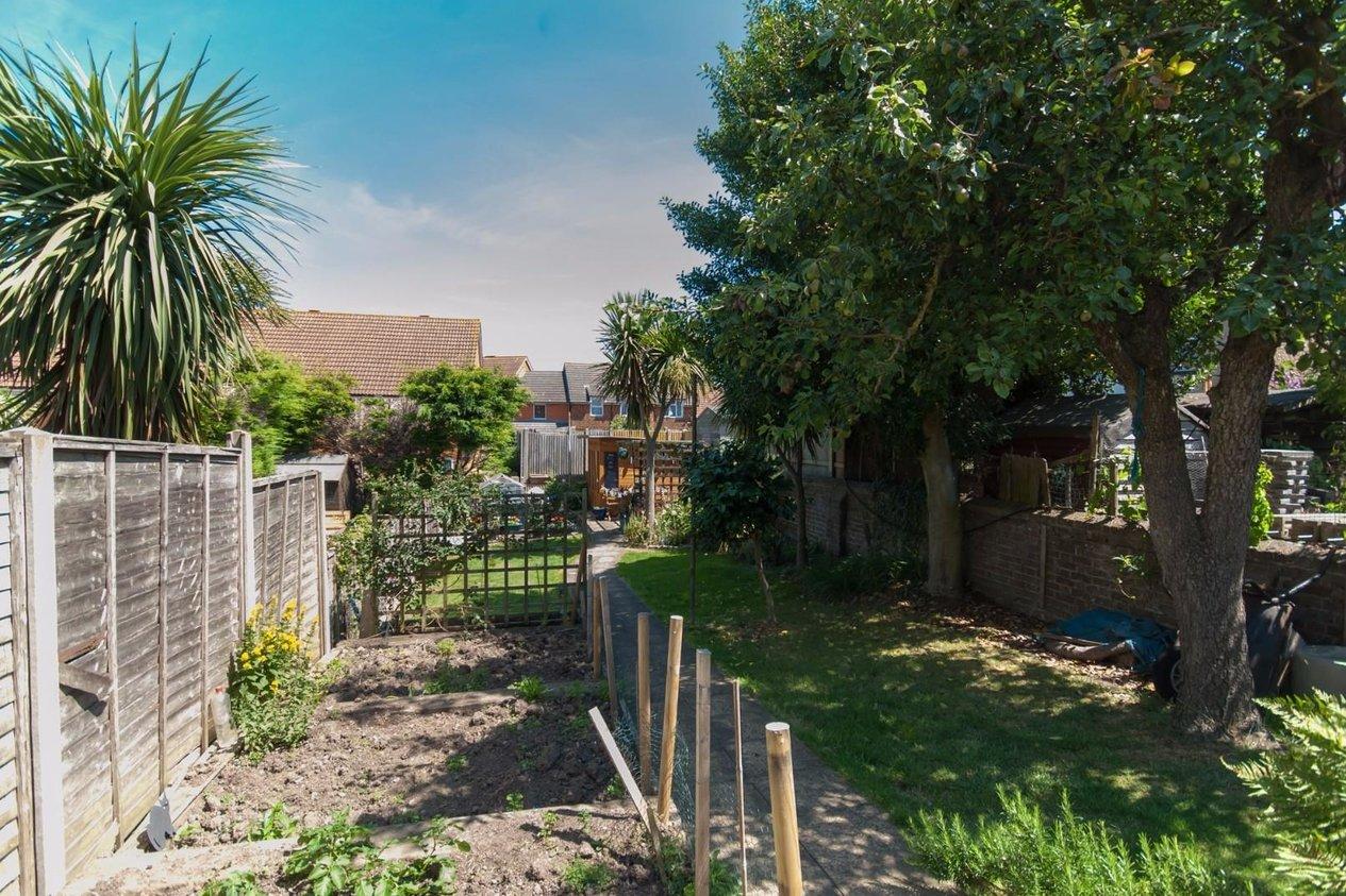 Properties For Sale in Manor Road