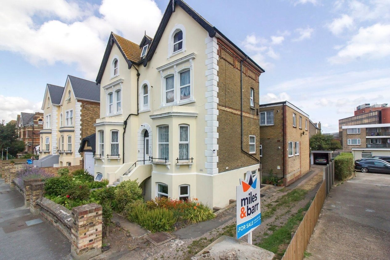 Properties Sold Subject To Contract in Manor Road