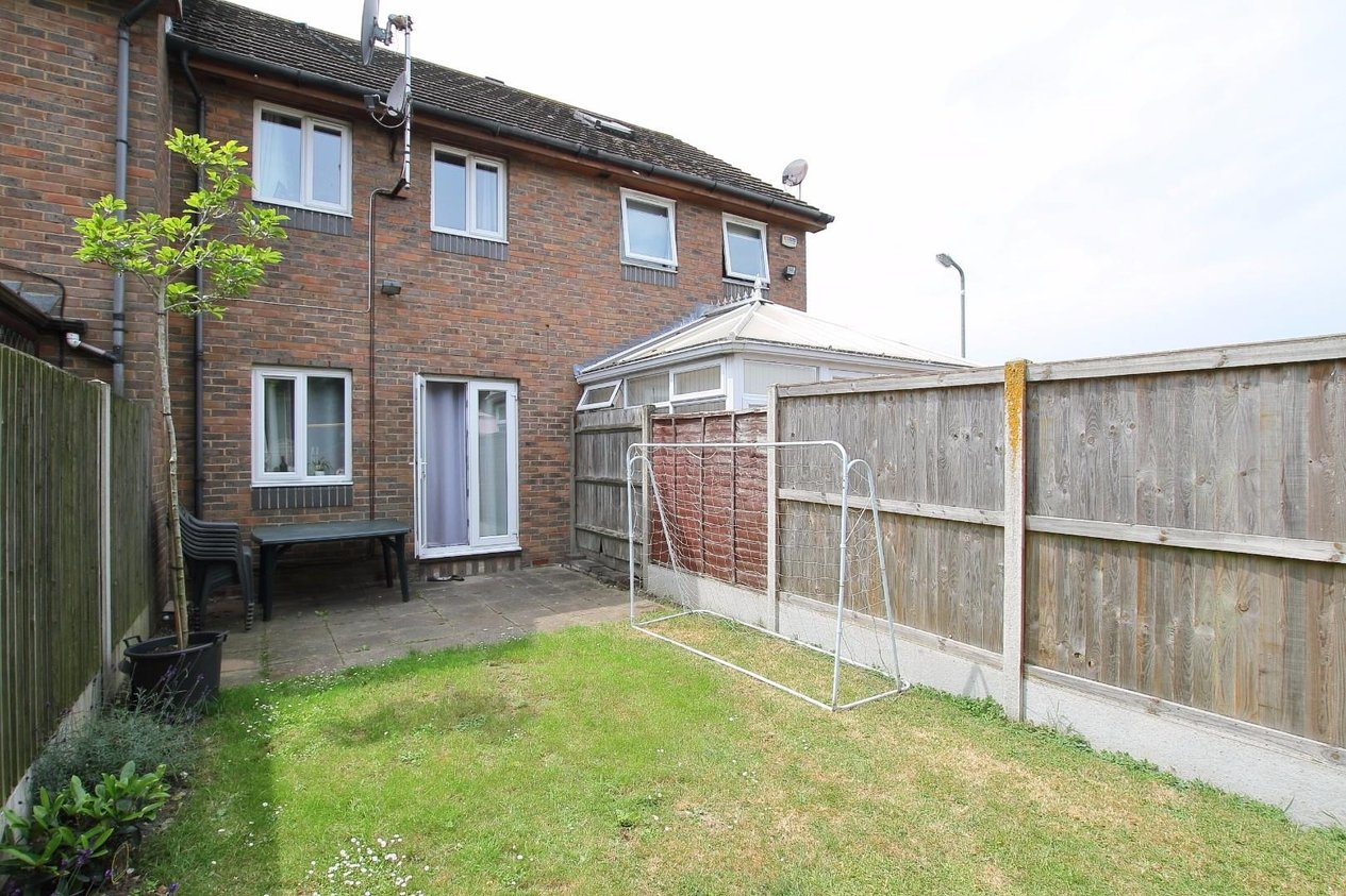 Properties Sold Subject To Contract in Maple Court Hersden