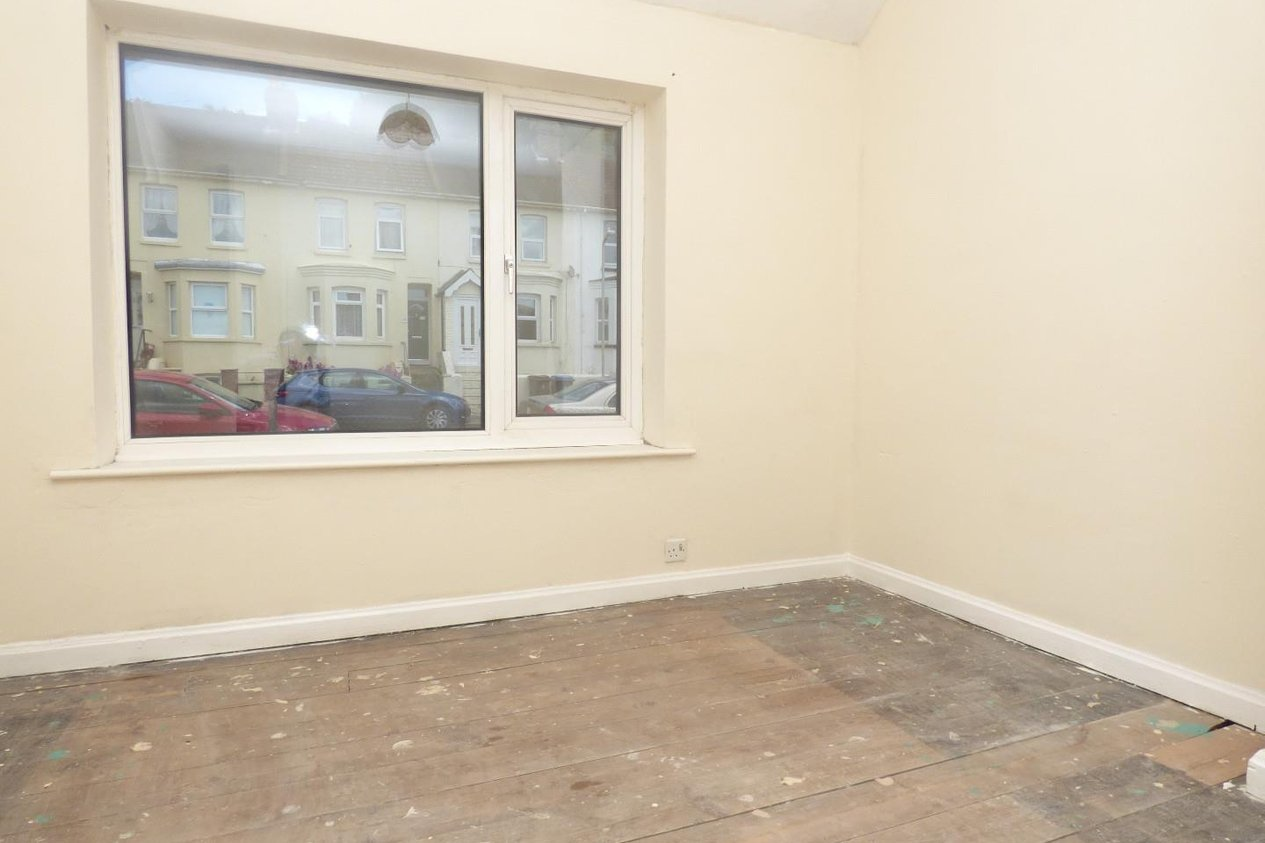 Properties Sold Subject To Contract in Mayfield Avenue