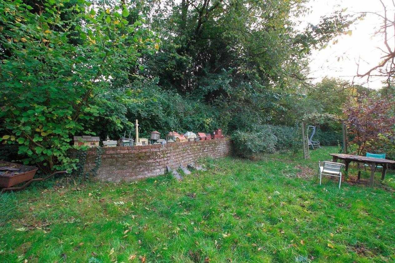 Properties For Sale in Meadow Close Bridge