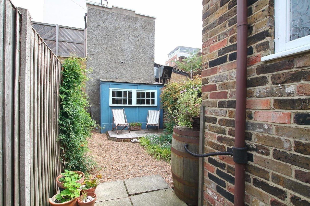 Properties For Sale in Middle Wall