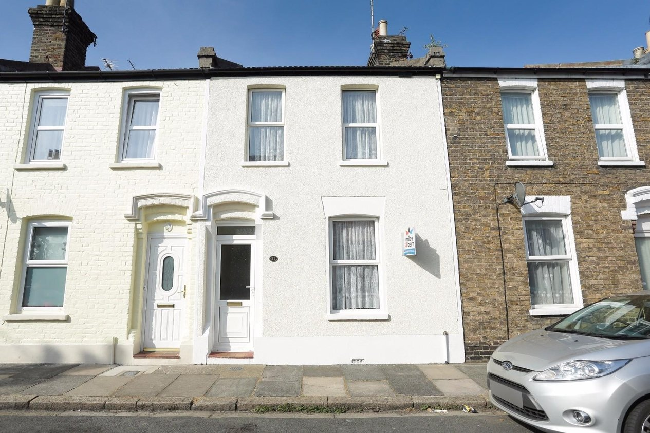 Properties Sold Subject To Contract in Montague Road