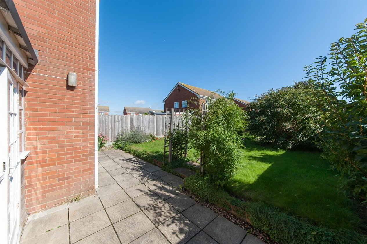 Properties For Sale in Moray Avenue