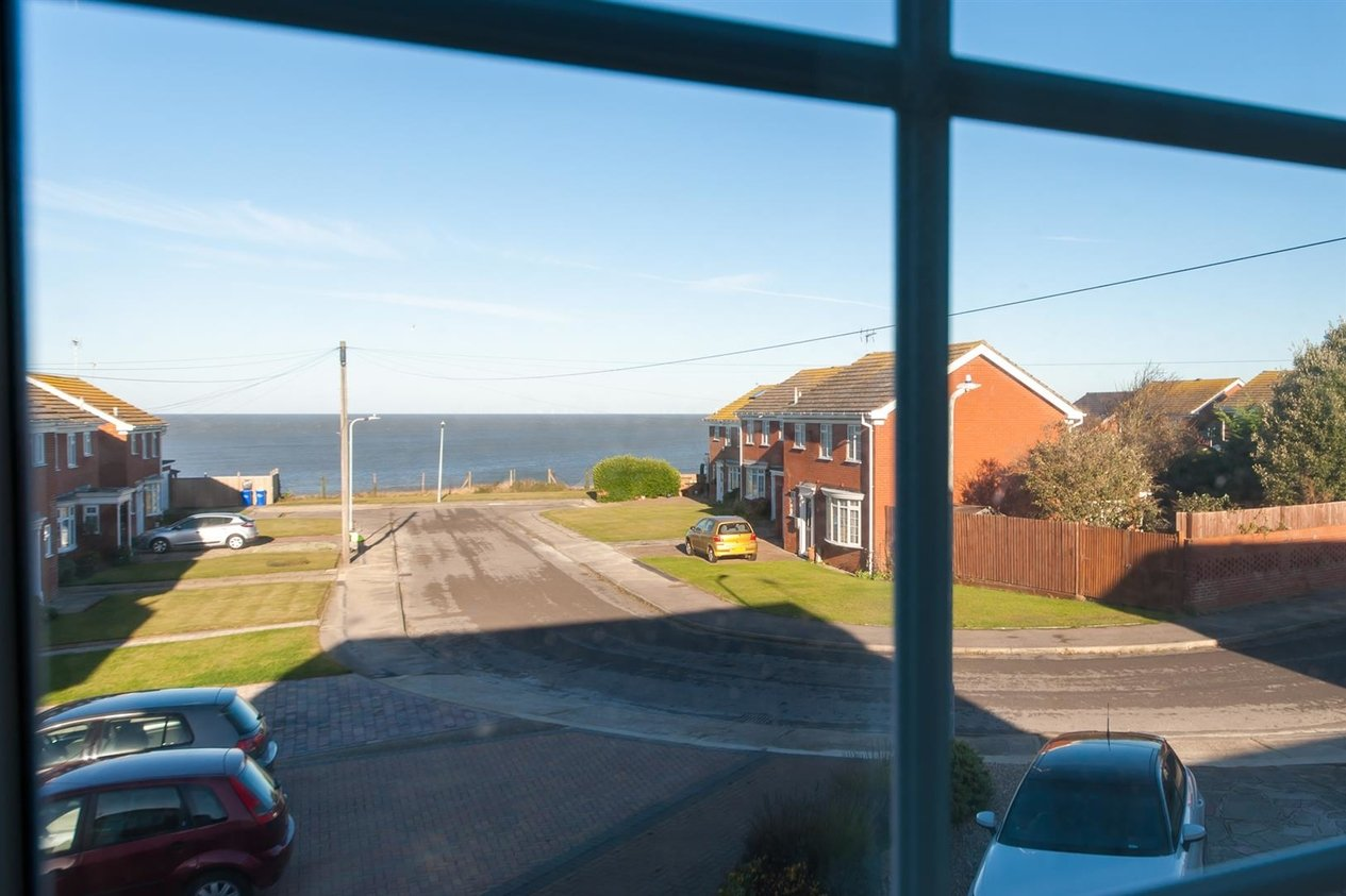 Properties Sold Subject To Contract in Moray Avenue