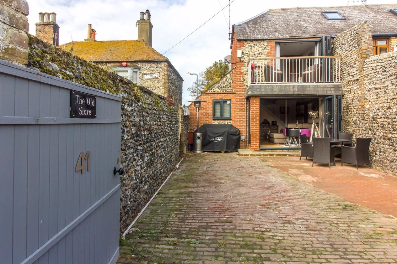 Properties For Sale in Nelson Place