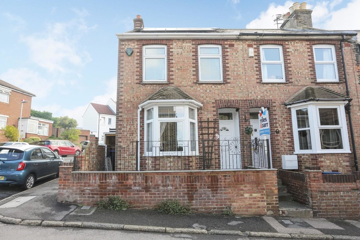 Properties Sold Subject To Contract in Newlands Road
