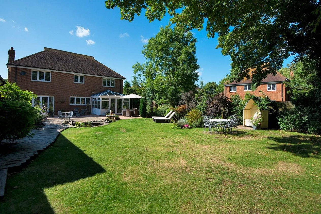 Properties For Sale in Newmans Close