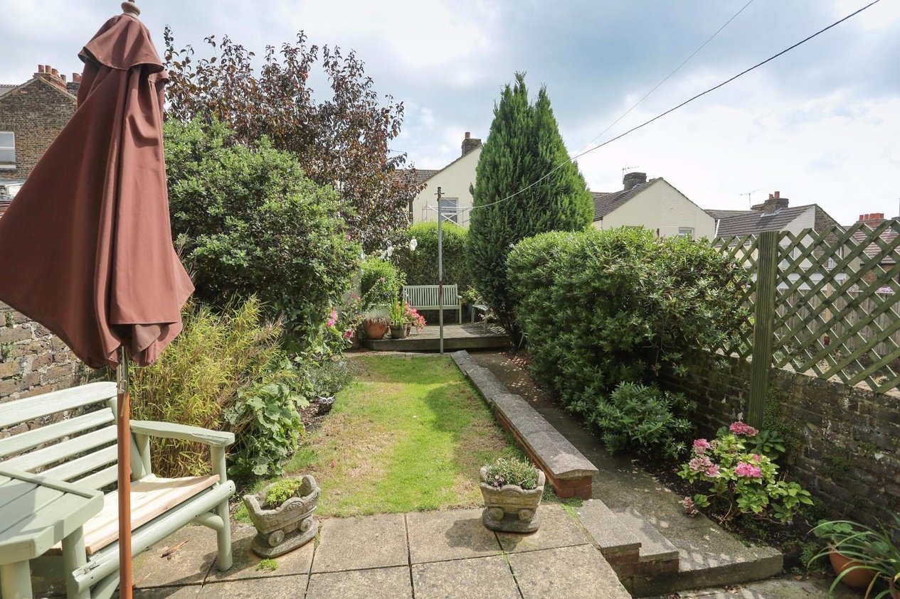 Properties Sold Subject To Contract in Nightingale Road