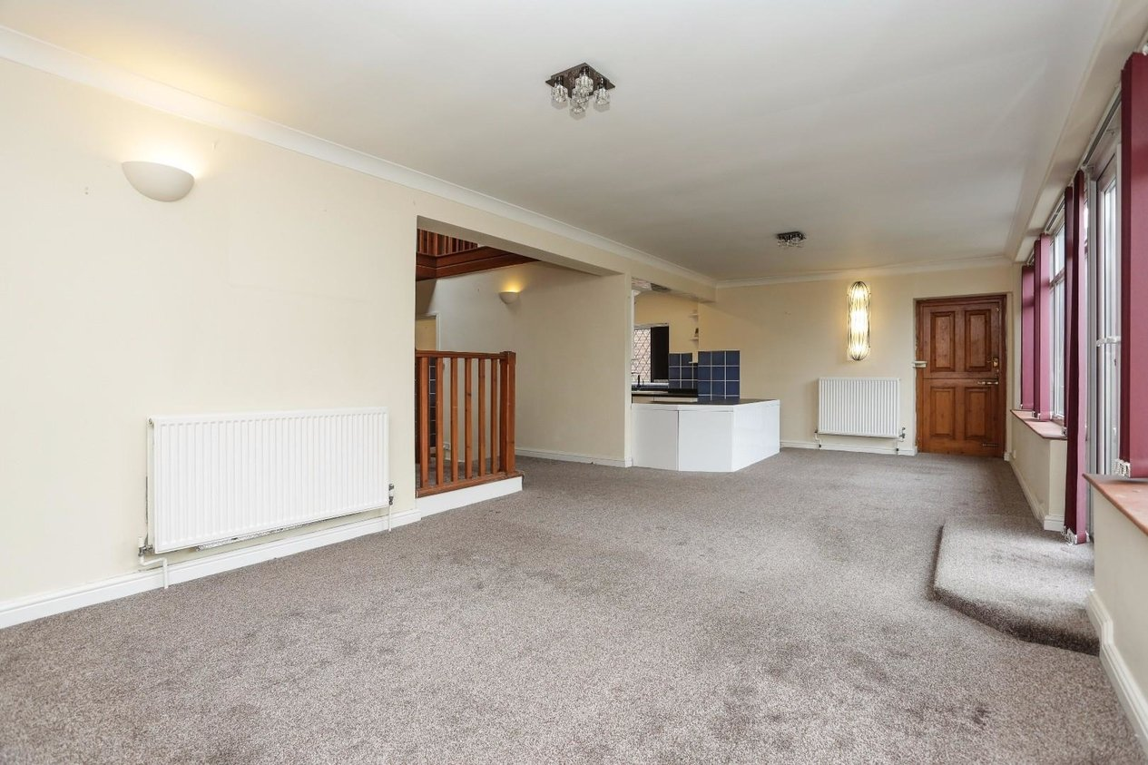 Properties For Sale in Park Crescent Road