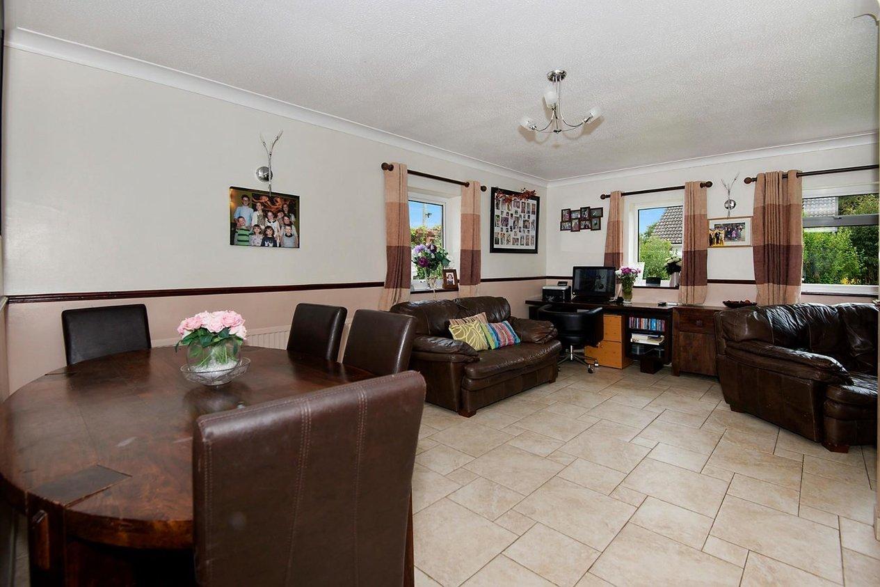 Properties For Sale in Pay Street Hawkinge