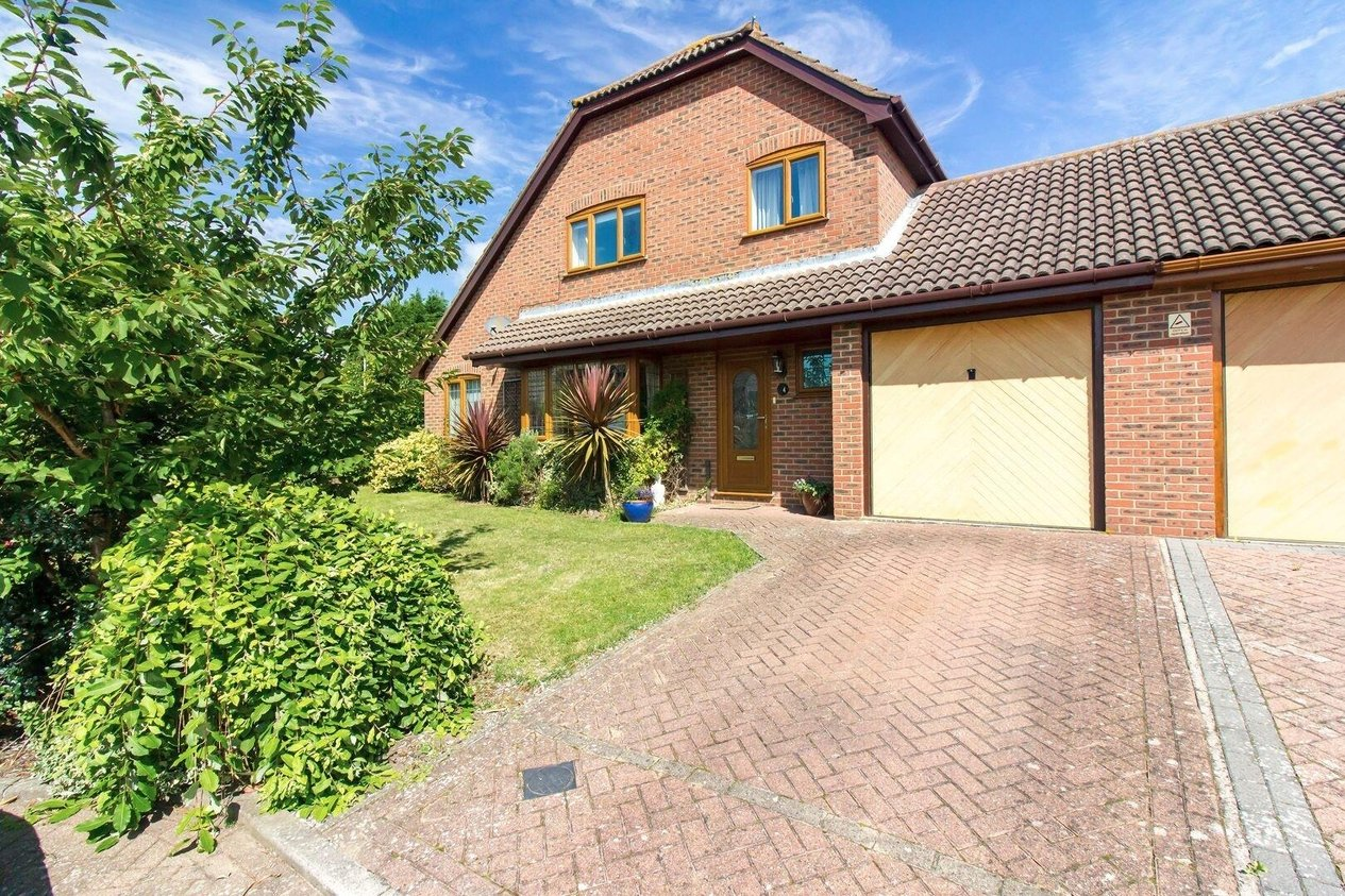 Properties Sold Subject To Contract in Pike Close