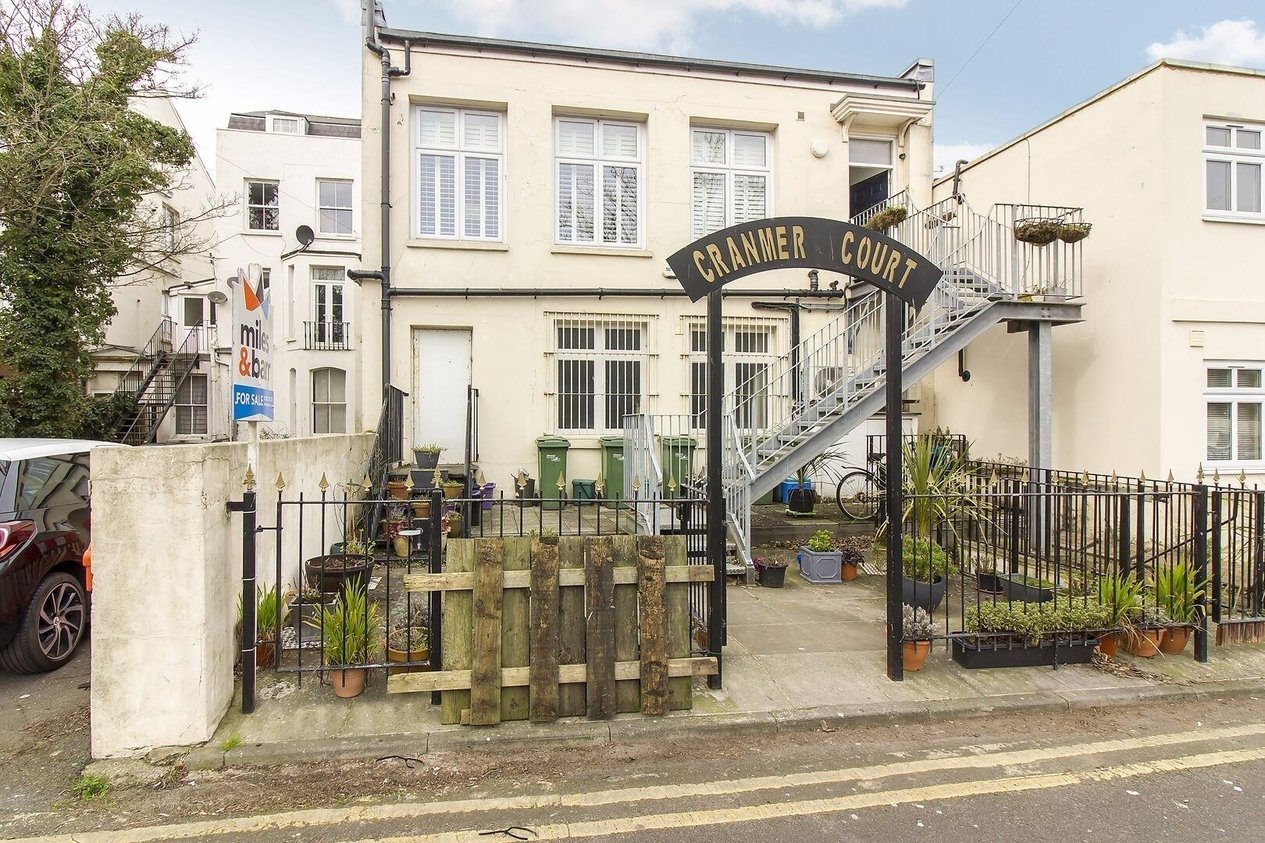 Properties Sold Subject To Contract in Pleydell Gardens