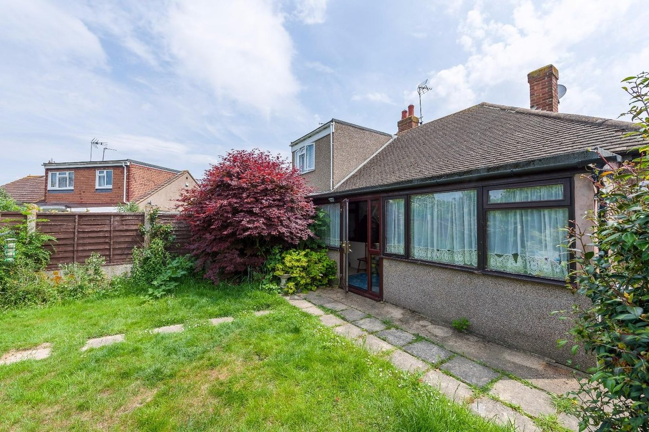 Properties Sold Subject To Contract in Poplar Drive