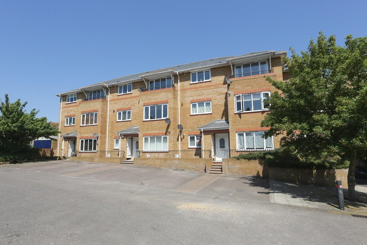Properties Sold Subject To Contract in Poplar Road