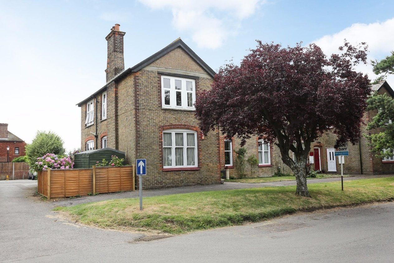 Properties Sold Subject To Contract in 16 Preston Road Manston