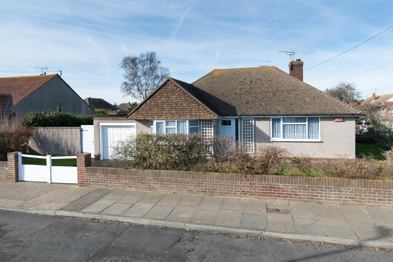 Properties For Sale in Quex View Road