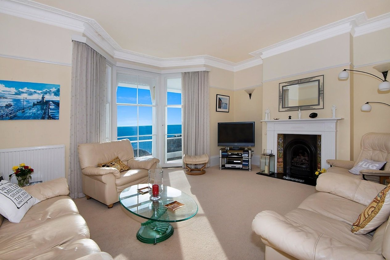 Properties For Sale in Radnor Cliff Crescent