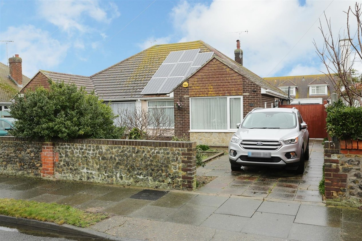 Properties Sold Subject To Contract in Reculver Avenue