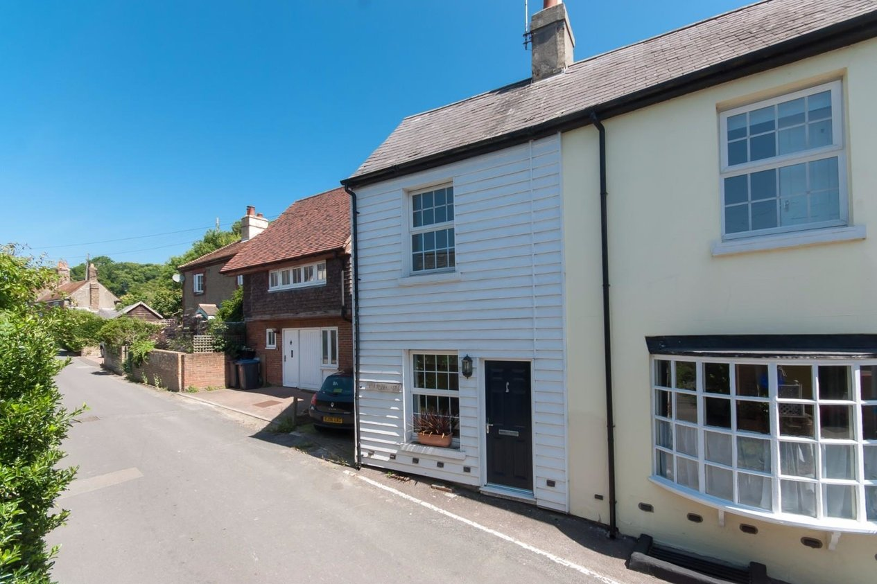Properties Sold Subject To Contract in Front Street Ringwould