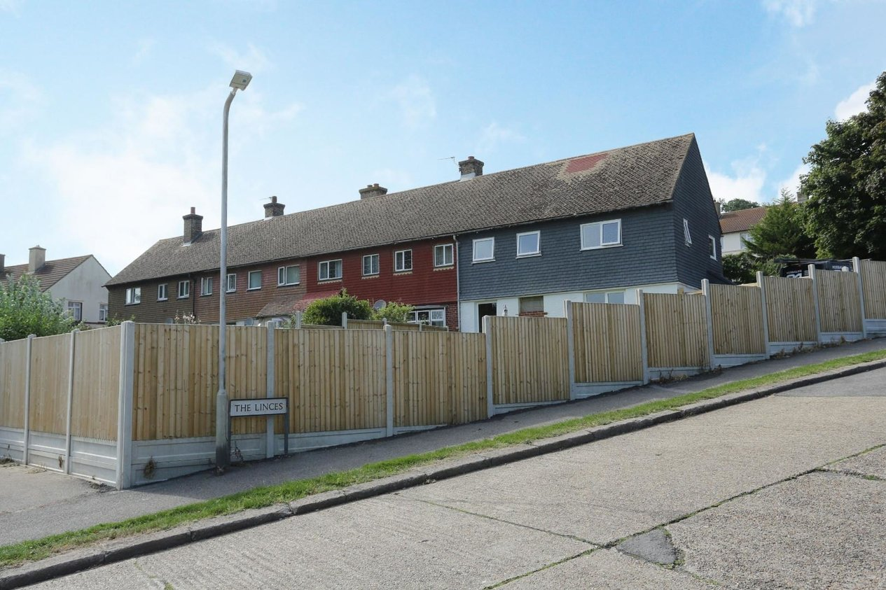 Properties Sold Subject To Contract in Roosevelt Road