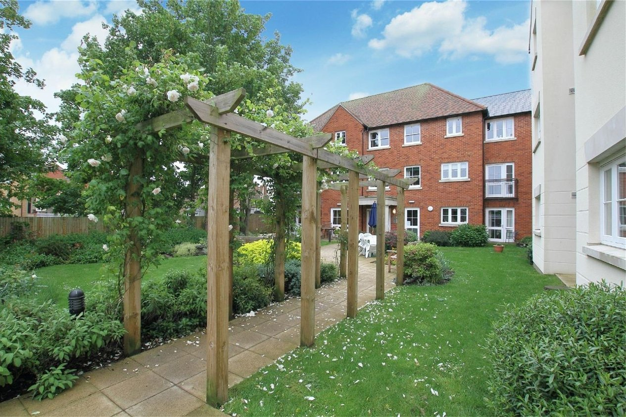 Properties For Sale in Abbots Lodge Roper Road