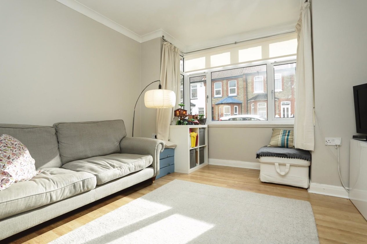 Properties Sold Subject To Contract in Rosebery Avenue